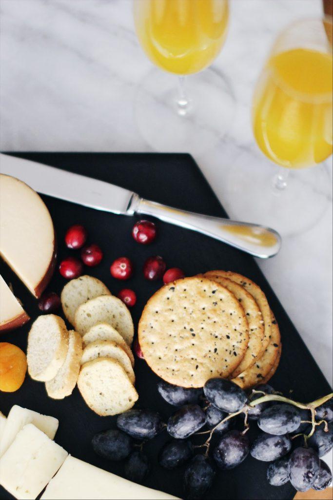 Celebrating the Holidays in Minimalist Style | ChelseaDinen.com